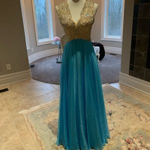 GORGEOUS Prom/Formal Dress